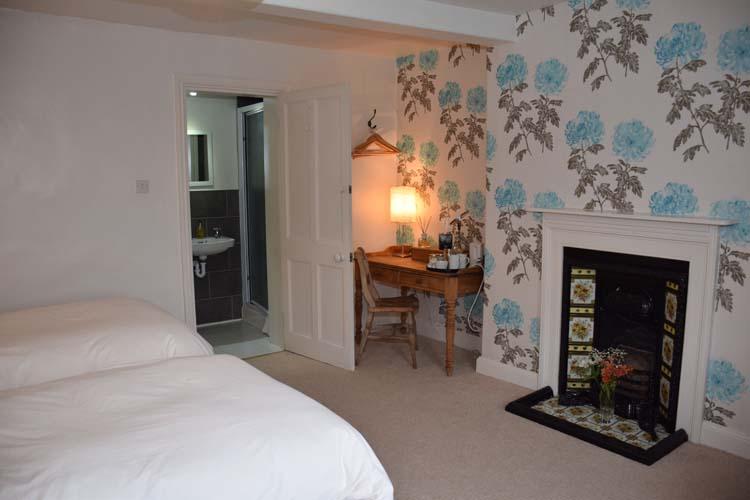 Nottingham B&B Primrose House Blue room